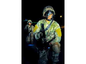 Türkmenistan'da askeri tatbikat göz doldurdu