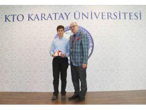 KTO Karatay Üniversitesi Öğrencilerine Kitap Ödülü