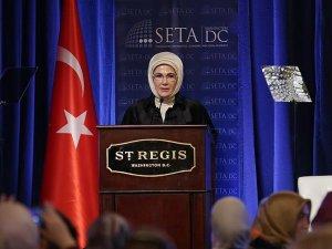 Cumhurbaşkanı Erdoğan'ın eşi Emine Erdoğan: Sınırlarımıza gelenlere gönüllerimizi de açıyoruz