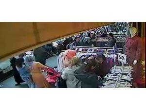 Mağazadaki hırsızlık kamerada