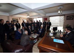 Başkan Yaşar Oto Sanatkarlarıyla Buluştu