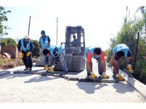 Erdemli Belediyesi'nin Yol Çalışmaları Tömük'te Devam Ediyor