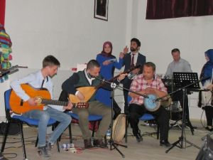 Hisarcık MYO'da Türkü Gecesi