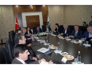 Bakanlardan Diyarbakır'a Çıkarma