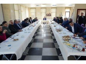 Başkan Poyraz, Muhtarları Dinledi
