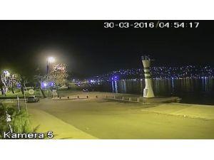 Sarıyer'de Aracın Denize Uçması Güvenlik Kameralarında