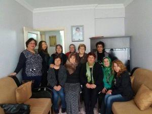 MHP'li Kadınlardan Vefa Ve Taziye Ziyareti