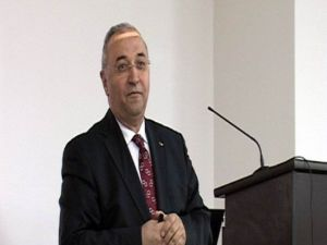 Erciyes Üniversitesi Edebiyat Fakültesi Dekanı Prof. Dr. Mehmet İnbaşı: