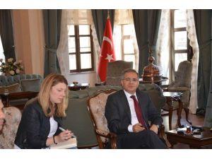 Vali Tapsız, İngiliz 'The Tımes' Gazetesine Konuştu