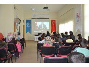 Şanlıurfa SGK, Gençlik Merkezi Üyelerine Seminer Verdi
