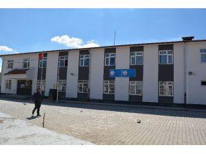 Niğde'de 12 Öğrenciyi Taciz Ettiği İddia Edilen Öğretmen Tutuklandı