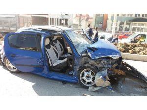 Tavşanlı'da Trafik Kazası, 4 Yaralı