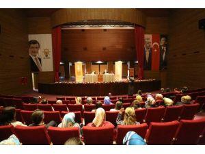 Kadem, Serdivan Belediyesi Bayan Personeliyle Seminer'de Bir Araya Geldi