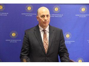"""Büyükelçi Uras: """"Göçmen Kaçakçıları Zarar Görecekler"""""""