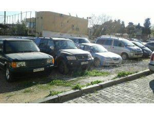 Yabancı Plakalı Araçları Sahte Evraklarla Piyasaya Süren Şebeke Çökertildi