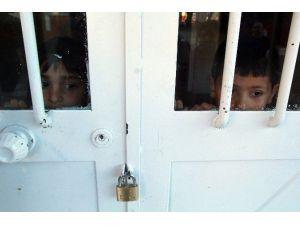 Saklambaç Oynarken Okulda Kilitli Kaldılar