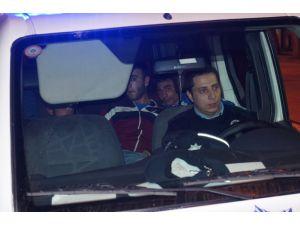 Polisin kovaladığı araç kaza yapınca şüpheliler kıskıvrak yakalandı