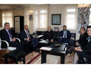 Türk Dünyası Parlamenterler Vakfı'ndan Akgül'e Ziyaret