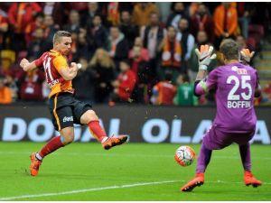 Galatasaray, Es-es Deplasmanında