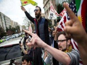 PKK Sempatizanları, ABD'de Erdoğan'ı Destekleyen Kadına Saldırdı