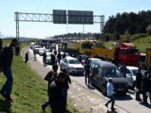 TEM'de 500 Hafriyat Kamyonuyla Eylem! Trafik Kilit