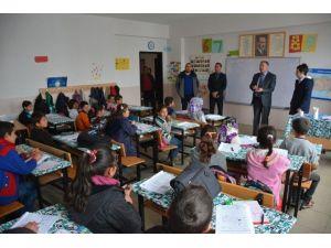 Milli Eğitim Müdürü Yüzer'den Köy Okullarına Ziyaret