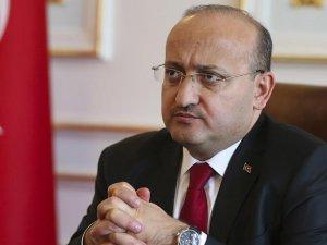 Yalçın Akdoğan: Diyarbakır kalleş ve alçak teröristlere lanet okuyor