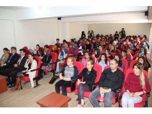 Üniversitede Akılcı İlaç Kullanımı Konferansı