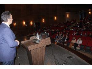 Elazığ'da Uyuşturucuyla Mücadele Konferansı Verildi