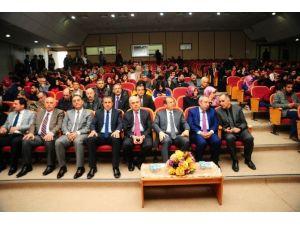 """Van'da """"Selçuklular'dan Günümüze Türk-ermeni İlişkileri"""" Paneli"""