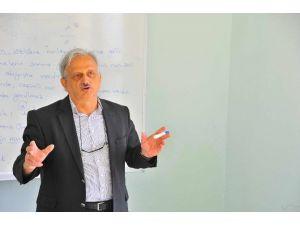 Sakarya'da 'Din Psikolojisi' Semineri Düzenlendi