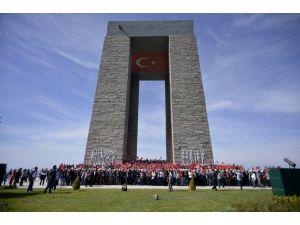 Bin 500 Eskişehirli Çanakkale'de şehitlerle helalleşti
