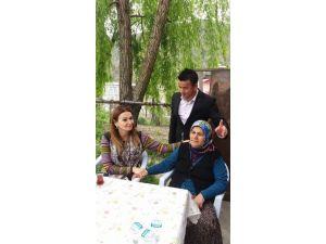 Azeri Milletvekilinden Şehit Ailesine Taziye Ziyareti