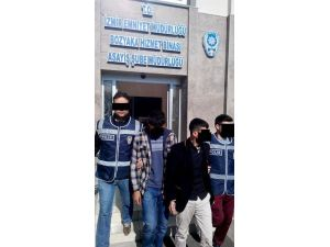 100 Bin Liranın Bulunduğu Çelik Kasayı Çaldılar Polisten Kaçamadılar