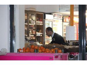 Market Çalışanı Bıçakla Gasp Edildi