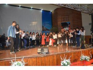 Edremit Liseler Arası Türk Halk Müziği Solo SES Yarışması Düzenlendi