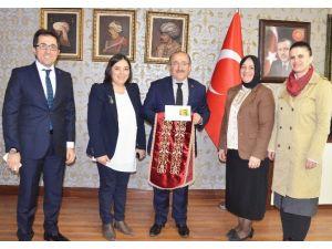 Trabzon'un Mimari Desenleri Kıyafet, Takı Ve Aksesuarlara Dönüşüyor