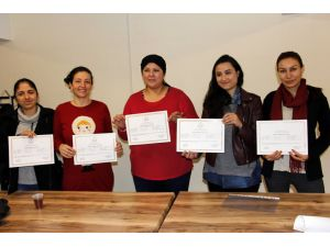 Çankaya Evi kursiyerleri, İngilizce dersi sertifikalarını aldı