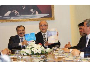 Başbakan Yardımcısı Elvan Ve Orman Bakanı Eroğlu Mersin'de