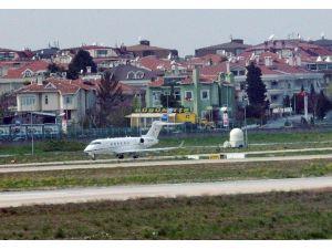 Ebru Gündeş, Konser İçin Eşi Zarrab'ın Uçağıyla Antalya'ya Gitti