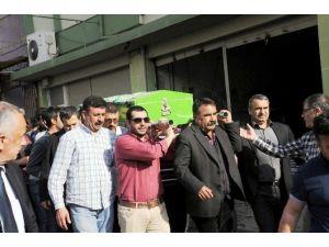İstanbul'da Ölü Bulunan Polis Memuru Toprağa Verildi