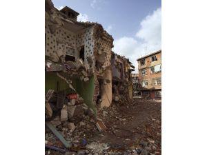 Sur'da Yaşanan Çatışmaların Şiddeti Fotoğraflarla Ortaya Çıktı
