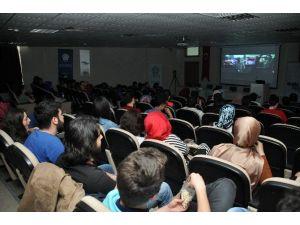 NEÜ Öğrencileri Kültürü Filmle Öğreniyor