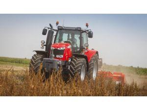 Çiftçilere traktörleri tarlada test etme imkanı