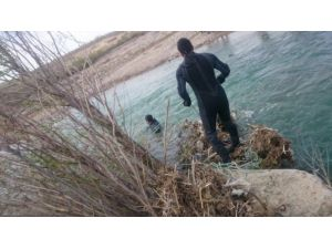 Balık Avlarken Canından Oluyordu