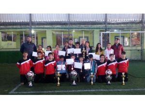 Fevzi Geyik Ortaokulu Futbol Bocce Takımlarına Plaket