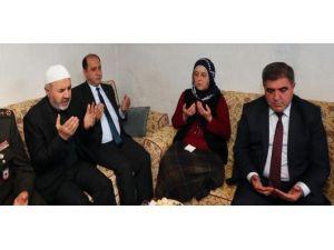 Yöneticilerden Şehit Ailesine Ziyaret