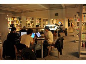 Prof. Dr. Durmuş Günay Kütüphanesi Elektronik Kaynak Sayısını Artırmaya Devam Ediyor