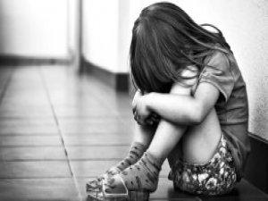 Yargıtay, 8 Yaşındaki Kızını Sevgilisiyle İlişkiye Zorlayan Anneye Beraat İstedi