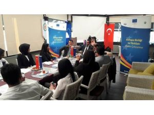 Gençlere Avrupa Birliği'nin Fırsatları Anlatıldı
